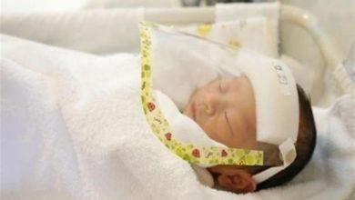 صورة سنغافورية تضع مولوداً يحمل أجساماً مضادة لكورونا