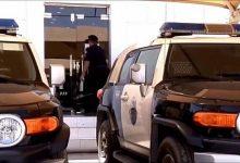 صورة القبض على مواطن أطلق النار من «رشاش» داخل حي سكني بالأفلاج