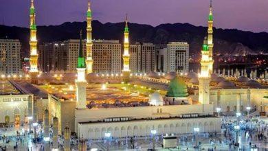 """صورة خطيب المسجد النبوي يحذر من تأجيل التوبة: """"إِنِّي فَاعِلٌ ذَٰلِكَ غَدًا"""" قد تنقلب على قائلها بالخسران والوبال"""
