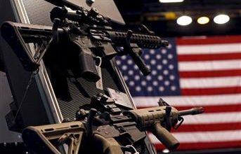 صورة ارتفاع عدد حاملي الأسلحة في أمريكا لأعلى مستوى منذ 23 عاما
