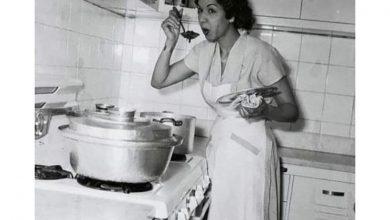 """صورة 10 صور لنجمات الزمن الجميل في المطبخ بـ""""المريلة والكبشة"""""""
