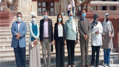 صورة نائب محافظ القاهرة ووفد البرنامج الرئاسي يتفقدان «قصر البارون»