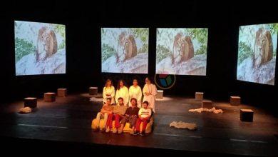 """صورة رشا الجمال تواصل عرض """"وهُنا القاهرة"""" على مسرح الفلكي بالجامعة الأمريكية (صور)"""