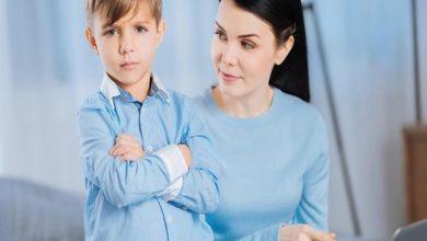 صورة بـ5 طرق بسيطة.. كيف تتعامل مع طفلك كثير الشكوى