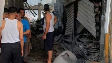 صورة فيديو كامل: لحظة وقوع انفجار كبير وضخم في سوق الزاوية بمدينة غزة .