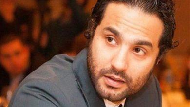 """صورة كريم فهمي يشيد بفيلم """"العارف"""": عالمي بجد.. وبنتعلم من أحمد عز"""