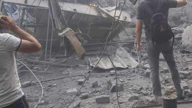 صورة (حشد) تطالب الجهات الحكومية تشكيل لجنة تحقيق متخصصة في حادثة انفجار سوق الزاوية