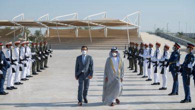 صورة خليفة بن طحنون يستقبل رئيس مجلس النواب العراقي في واحة الكرامة