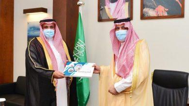 صورة أمير حائل يستقبل مدير التعليم ويطلع على تقرير بدء العام الدراسي  أخبار السعودية