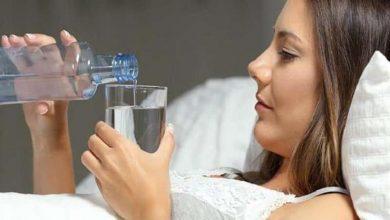 صورة لا تأكل قبل مرور 45 دقيقة.. تأثير مذهل لشرب الماء على الريق لمدة شهر