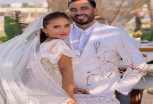 صورة إطلالة نيللي كريم وزوجها مع منى الشاذلي.. جاكيت جينز وقميص منقوش