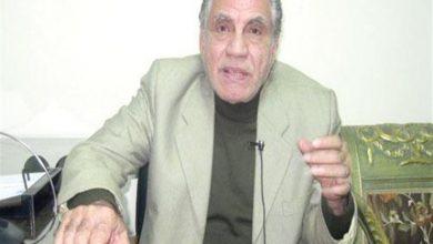 صورة وفاة رسام الكاريكاتير جمعة فرحات عن عمر يناهز 80 عاما