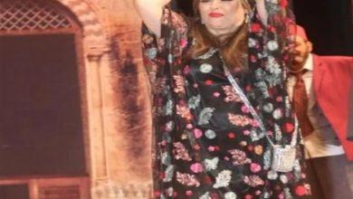 """صورة نهال عنبر في كواليس مسرحية """"زقاق المدق"""" بالإسكندرية (صور)"""