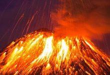 صورة بالفيديو.. رجال الإطفاء ينسحبون أمام بركان لابالما بإسبانيا