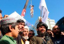 صورة بالصور.. طالبان تبرر تعليقها الجثث على رافعات في هرات
