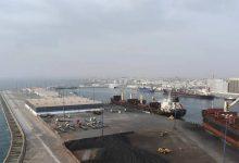 صورة ميناء جازان يربط قارات «أوروبا وآسيا وإفريقيا» كمنصة لوجسيتة عالمية