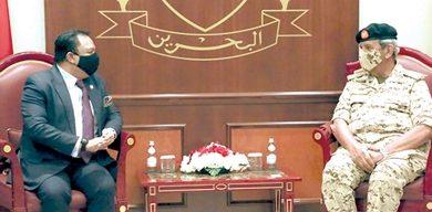 صورة القائد العام يبحث مع سفير ماليزيا المواضيع ذات الاهتمام المشترك
