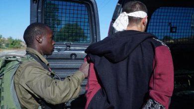 صورة الاحتلال يعتقل شابا من مخيم قلنديا